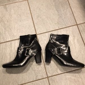 Nickels black boots